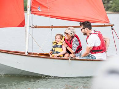 parents-sailing