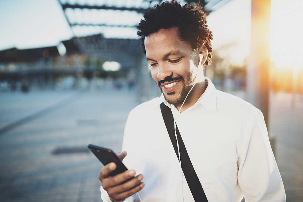 Commuter uses mindfulness app